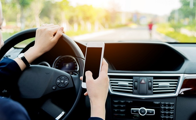 Nine-out-of-ten drivers may be too distracted to drive safely, according to Allstate Canada Study